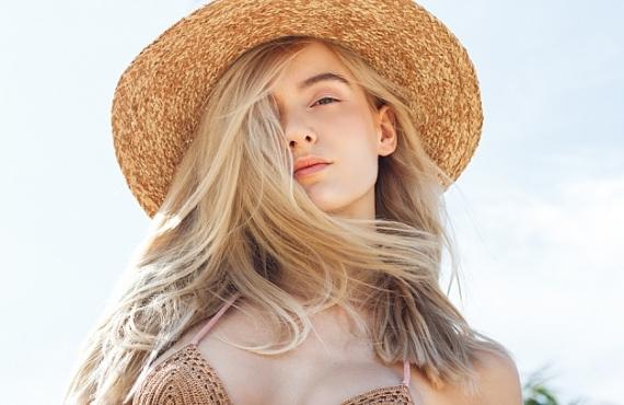 ELLE: «Средство с SPF не спасает от фотостарения», — косметолог Алена Кондратенко